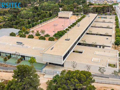 """Instalación de aire acondicionado con unidades de expansión de directiva (VRV)  en las zonas Zm1, Zm2 y Zm4 del Colegio de Educación infantil y primaria """"San Roque"""" en Polop de la Marina (Alicante)"""