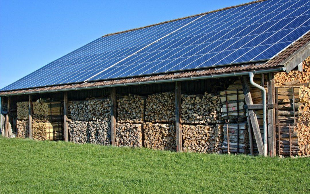 Energía eléctrica por placas solares en casa